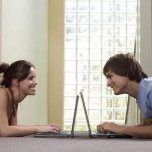 как начать общение +с девушкой +в интернете