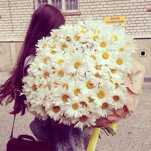 На каком свидании дарить девушке цветы
