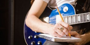 как написать песню самому;