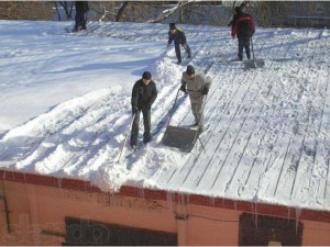 как заработать +на уборке снега подростку;
