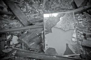 можно ли выкидывать зеркало