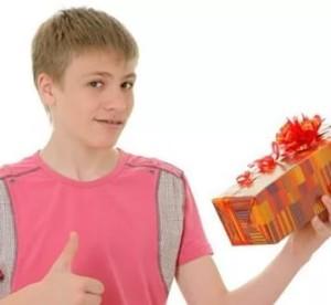 как поздравить одноклассника с днем рождения