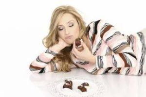 к чему снится шоколад есть во сне